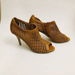 Aldo mesh open toe pumps in tan size 10 / 41